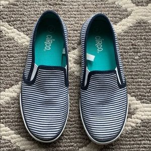 Circo stripped kids slip ons